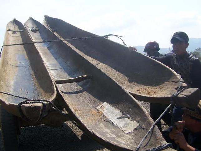 Kon Tum: Đua thuyền độc mộc trên sông Đăk Bla ảnh 4