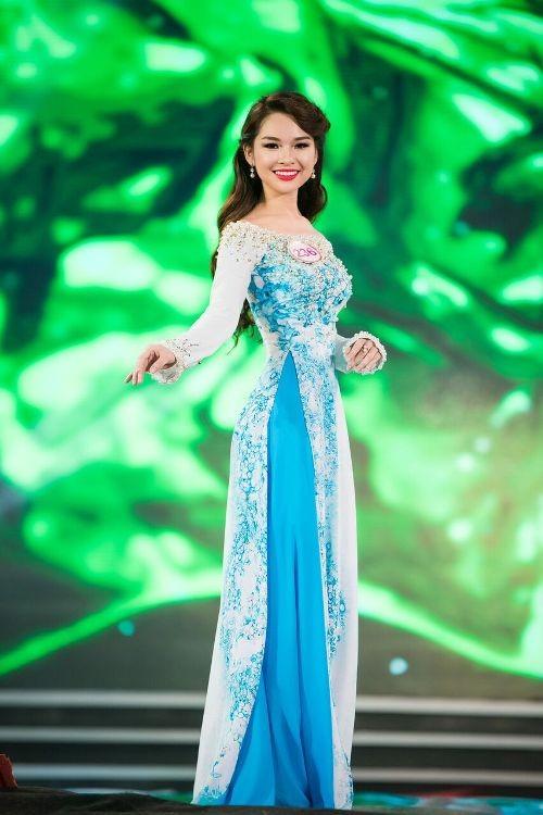30 thí sinh hoa hậu khoe nét nền nã trong tà áo dài ảnh 3