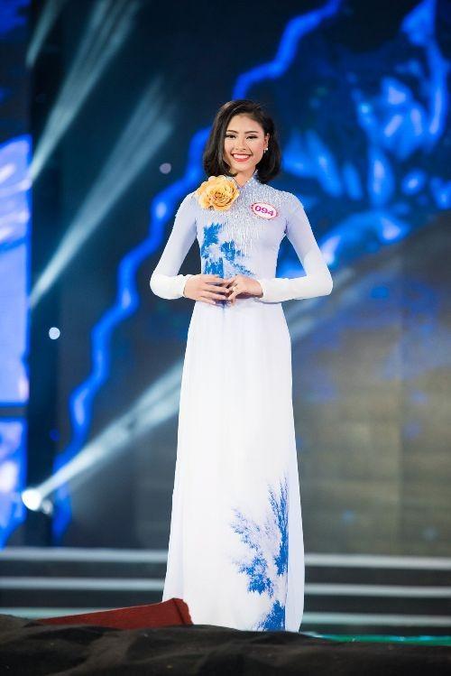 30 thí sinh hoa hậu khoe nét nền nã trong tà áo dài ảnh 9