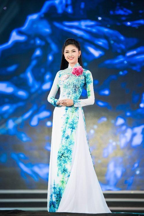 30 thí sinh hoa hậu khoe nét nền nã trong tà áo dài ảnh 10