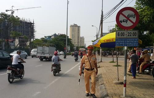 Công an thành phố Vinh nói gì khi bị tài xế xe tải khởi kiện? ảnh 1