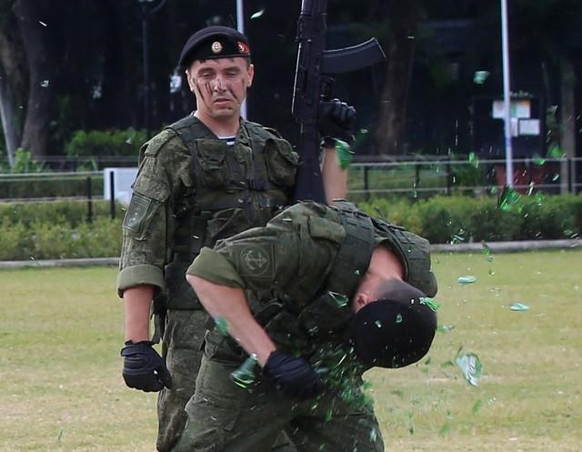 Binh sĩ Nga phô diễn sức mạnh chiến đấu tại Philippines ảnh 4