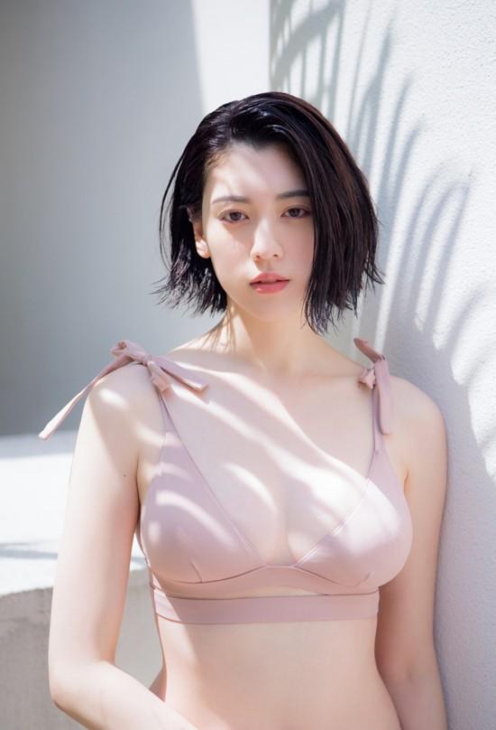 Vẻ đẹp hút hồn của biểu tượng gợi cảm Nhật Bản được Playboy ưu ái ảnh 1