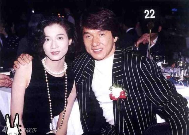 Hoa hậu châu Á Ngô Ỷ Lợi – tình cũ Thành Long tàn tạ tuổi xế chiều ảnh 10