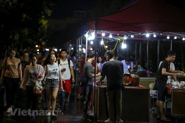 Đội mưa dự khai mạc phố đi bộ Trịnh Công Sơn ảnh 3
