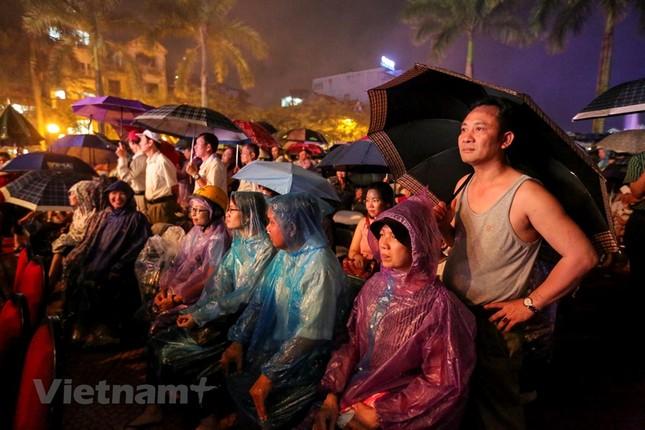 Đội mưa dự khai mạc phố đi bộ Trịnh Công Sơn ảnh 9