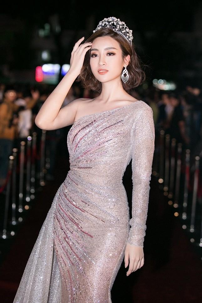 Cô gái 18 tuổi Trần Tiểu Vy đăng quang Hoa hậu Việt Nam 2018 ảnh 21