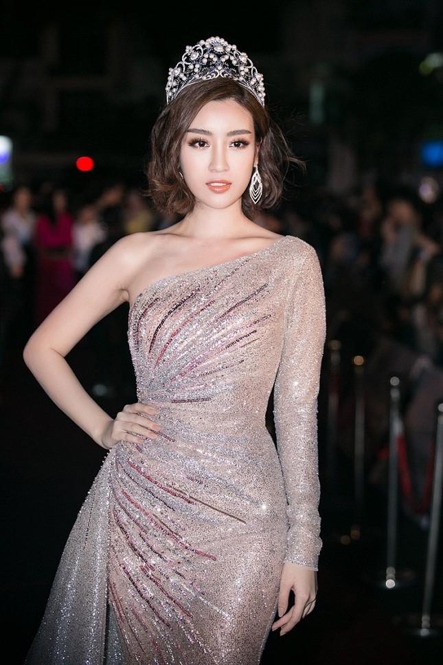 Cô gái 18 tuổi Trần Tiểu Vy đăng quang Hoa hậu Việt Nam 2018 ảnh 22