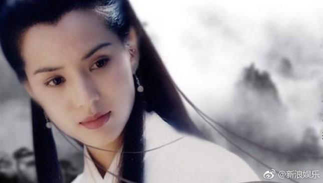 Sao Hoa Ngữ bàng hoàng, tiếc thương trước sự ra đi của Kim Dung ảnh 1