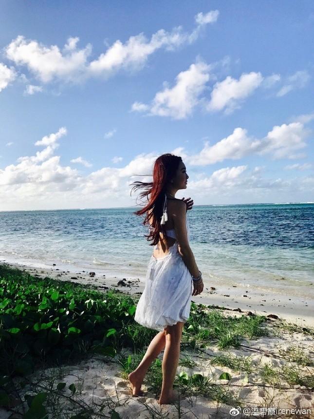 'Phan Kim Liên' Ôn Bích Hà mặc bikini khoe body nuột nà ở tuổi 52 ảnh 8