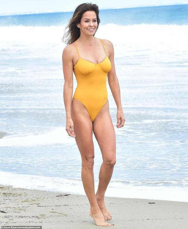 Vóc dáng 'vạn người mê' của cựu mẫu Playboy ở tuổi U50 ảnh 2