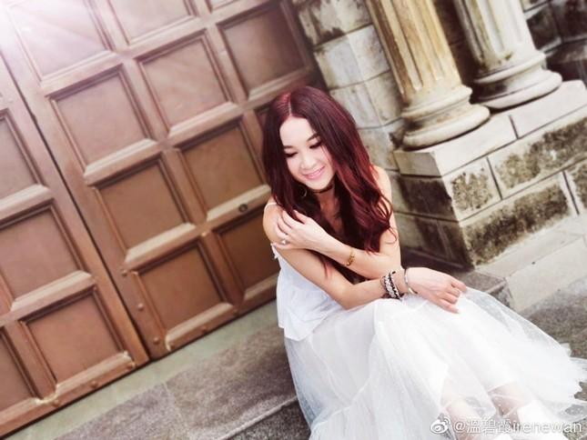 Khoe ảnh du lịch Nha Trang, 'Đát Kỷ đẹp nhất màn ảnh' trẻ trung bất ngờ tuổi U60 ảnh 3