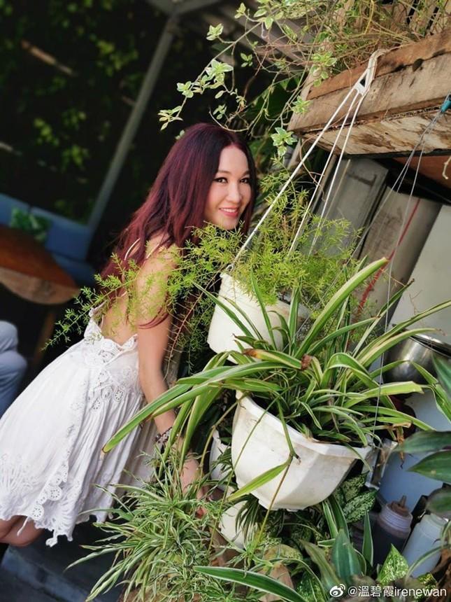 Khoe ảnh du lịch Nha Trang, 'Đát Kỷ đẹp nhất màn ảnh' trẻ trung bất ngờ tuổi U60 ảnh 7