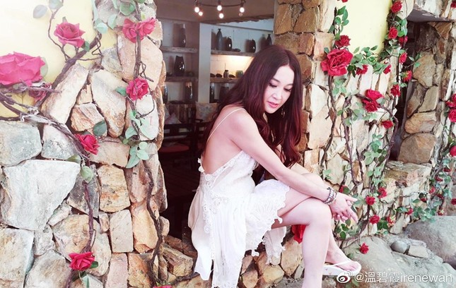 Khoe ảnh du lịch Nha Trang, 'Đát Kỷ đẹp nhất màn ảnh' trẻ trung bất ngờ tuổi U60 ảnh 9