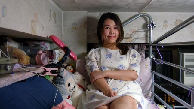 Vợ chồng trẻ ở Hồng Kông: Kết hôn, sinh con rồi nhà ai người đó ở ảnh 2