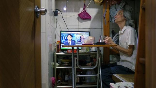 Vợ chồng trẻ ở Hồng Kông: Kết hôn, sinh con rồi nhà ai người đó ở ảnh 3