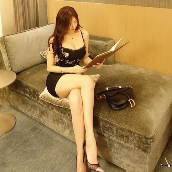 Đường cong gây chao đảo của 'Hoa hậu siêu vòng ba' Trung Quốc ảnh 7