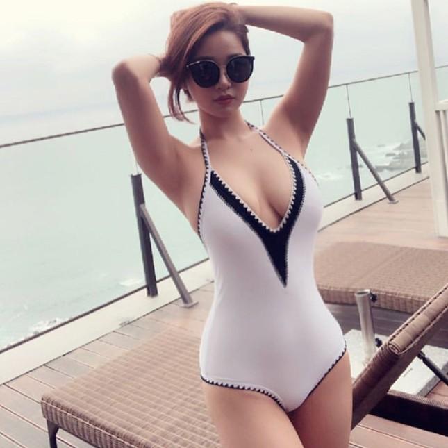 Đường cong gây chao đảo của 'Hoa hậu siêu vòng ba' Trung Quốc ảnh 5