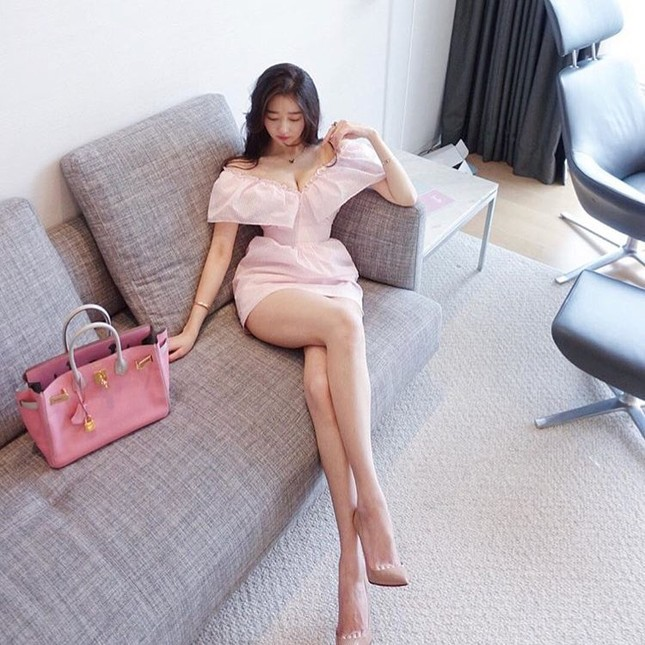 Đường cong gây chao đảo của 'Hoa hậu siêu vòng ba' Trung Quốc ảnh 6