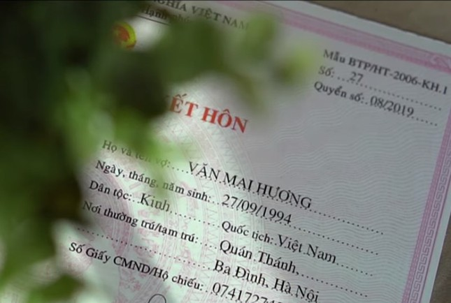 Hậu 'lừa' cưới, Văn Mai Hương 'khóa môi' Đồng Ánh Quỳnh đắm đuối gây sốc ảnh 11
