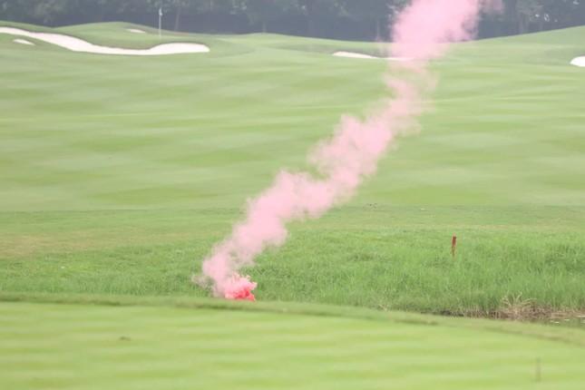 Golfer Bảo Long phát bóng khai mạc Tiền Phong Golf Championship 2019 ảnh 7