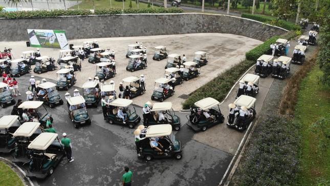 Golfer Bảo Long phát bóng khai mạc Tiền Phong Golf Championship 2019 ảnh 4