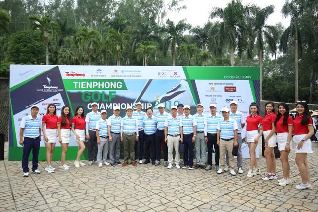 Golfer Bảo Long phát bóng khai mạc Tiền Phong Golf Championship 2019 ảnh 2