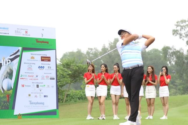 Golfer Bảo Long phát bóng khai mạc Tiền Phong Golf Championship 2019 ảnh 6