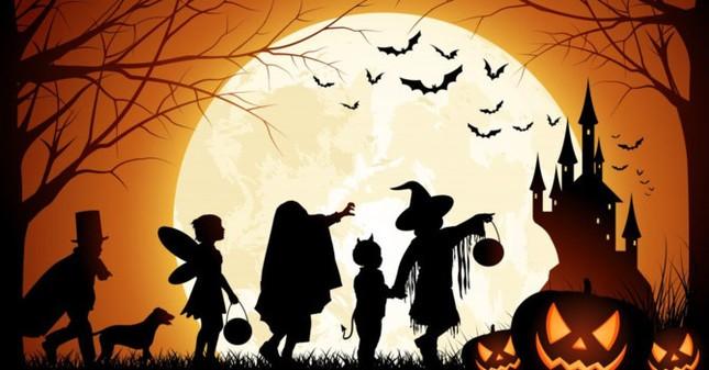 Halloween diễn ra vào ngày nào?