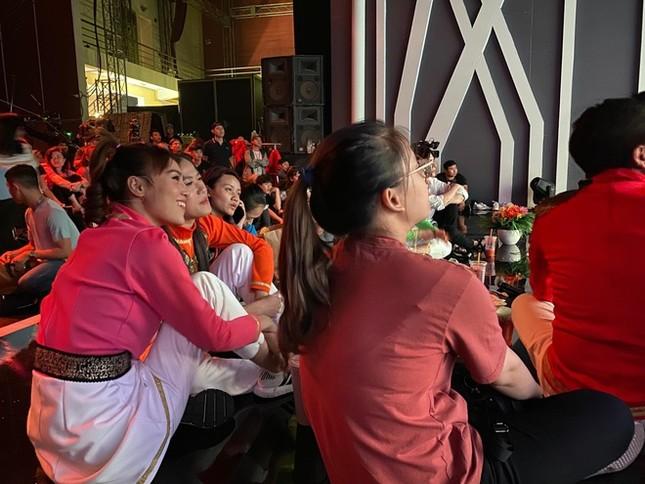 Loại Thái Lan khỏi SEA Games, sao Việt 'vỡ oà' nhưng có chút tiếc nuối ảnh 5
