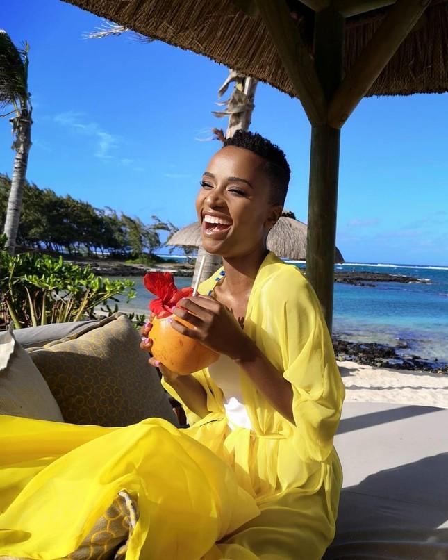 Nhan sắc đời thường cá tính nhưng rất sexy của tân Hoa hậu Hoàn vũ người Nam Phi ảnh 3