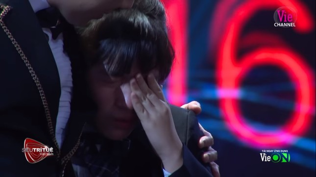 'Thần đồng tính nhẩm' Nhật Bản khóc như mưa tại Siêu trí tuệ Việt Nam ảnh 3