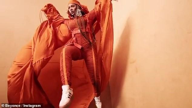 Beyonce tung loạt ảnh khoe vòng ba 'căng đét' ảnh 8