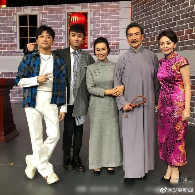 Dàn sao 'Tân dòng sông ly biệt' tái hợp, Lâm Tâm Như và Triệu Vy già thấy rõ ảnh 3
