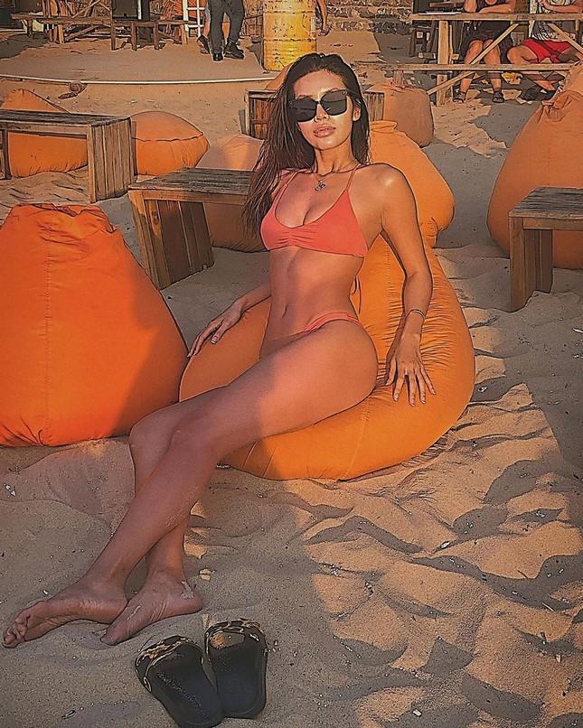 Minh Tú tung ảnh bikini 'bỏng rẫy', công khai 'thả thính' ngày cuối năm ảnh 3