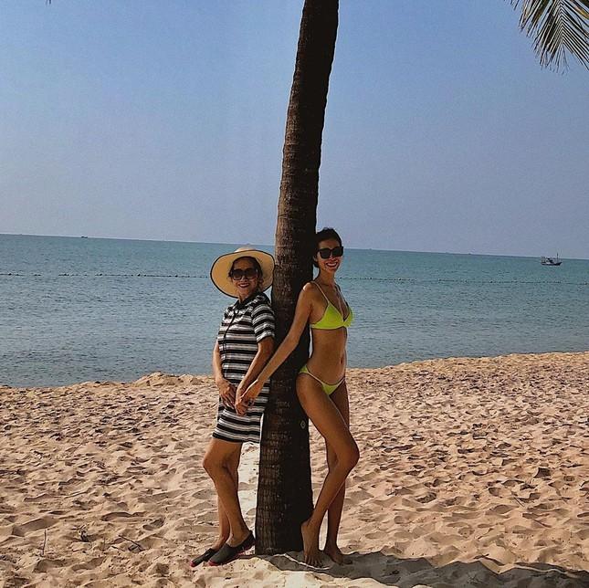 Minh Tú tung ảnh bikini 'bỏng rẫy', công khai 'thả thính' ngày cuối năm ảnh 6