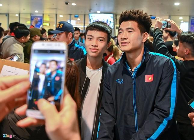 U23 Việt Nam được người hâm mộ chào đón sau thất bại ảnh 3