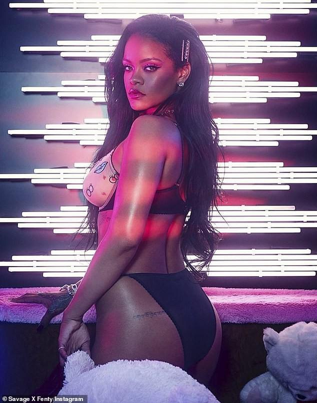 Rihanna tung bộ ảnh nội y 'nóng bỏng mắt' đón Valentine ảnh 1