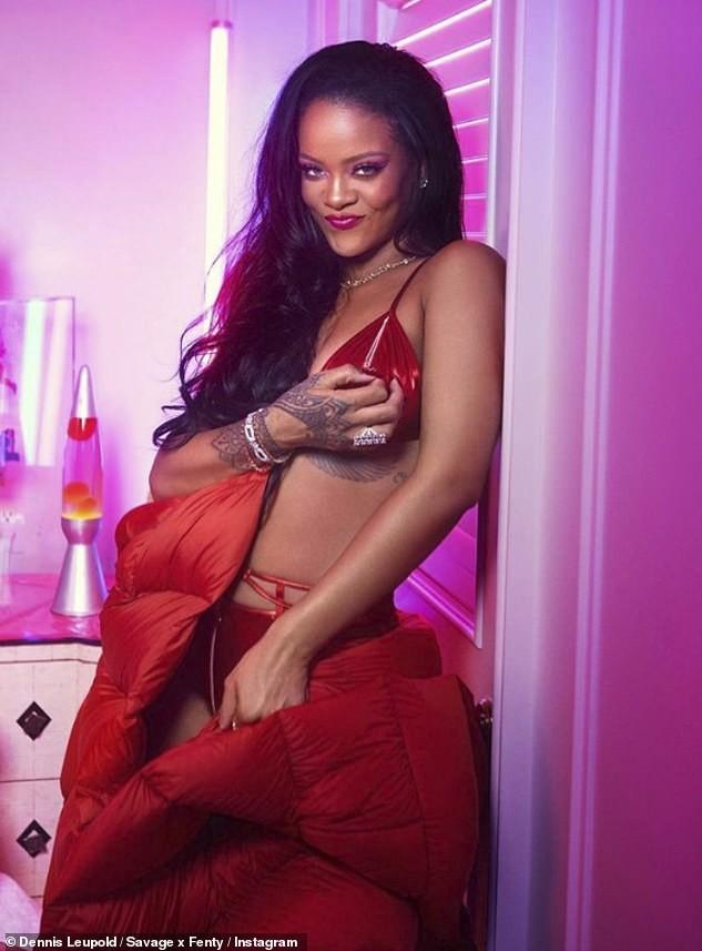 Rihanna tung bộ ảnh nội y 'nóng bỏng mắt' đón Valentine ảnh 5