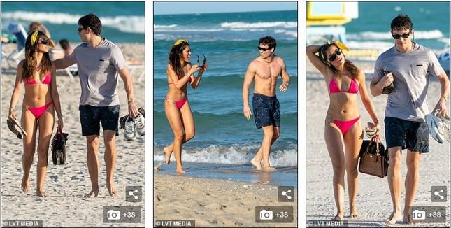 Sao truyền hình Anh hôn đắm đuối bạn gái người mẫu 'bốc lửa' trên bãi biển ảnh 5