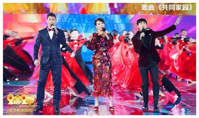 Thành Long, Huỳnh Hiểu Minh cùng dàn sao Hoa ngữ quy tụ ở gala đêm giao thừa ảnh 11