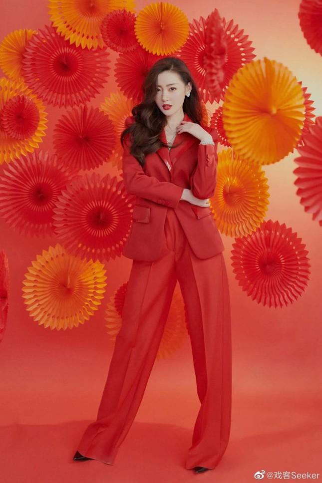 Dàn mỹ nhân Hoa ngữ 'mỗi người một vẻ' rực rỡ trong sắc đỏ ảnh 6