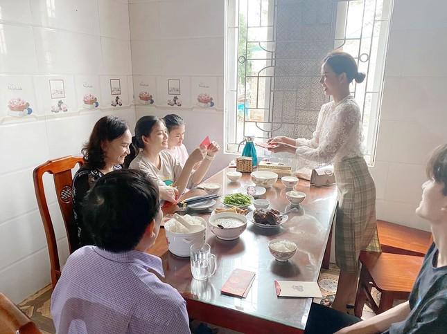 Phan Mạnh Quỳnh lì xì tiền 'khủng' cho người yêu ảnh 2