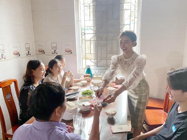 Phan Mạnh Quỳnh lì xì tiền 'khủng' cho người yêu ảnh 3