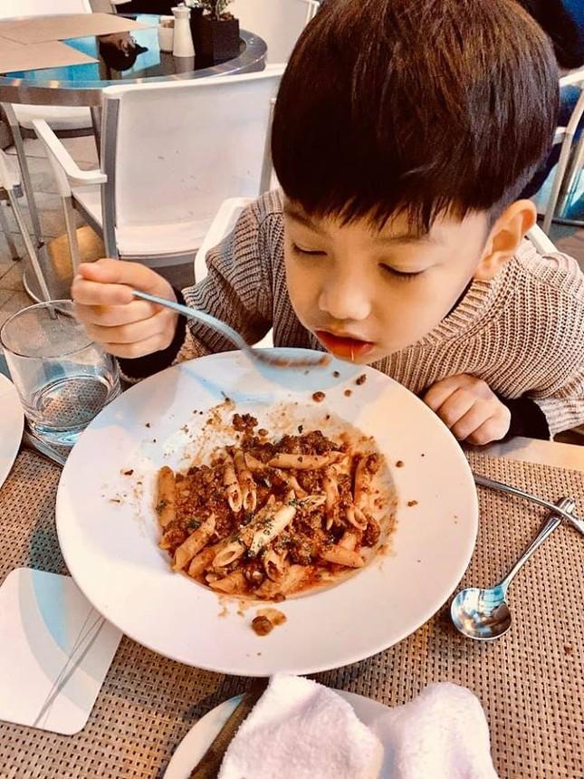 Hồ Ngọc Hà cùng Kim Lý và con trai du xuân Nhật Bản, Subeo gây bất ngờ ảnh 4