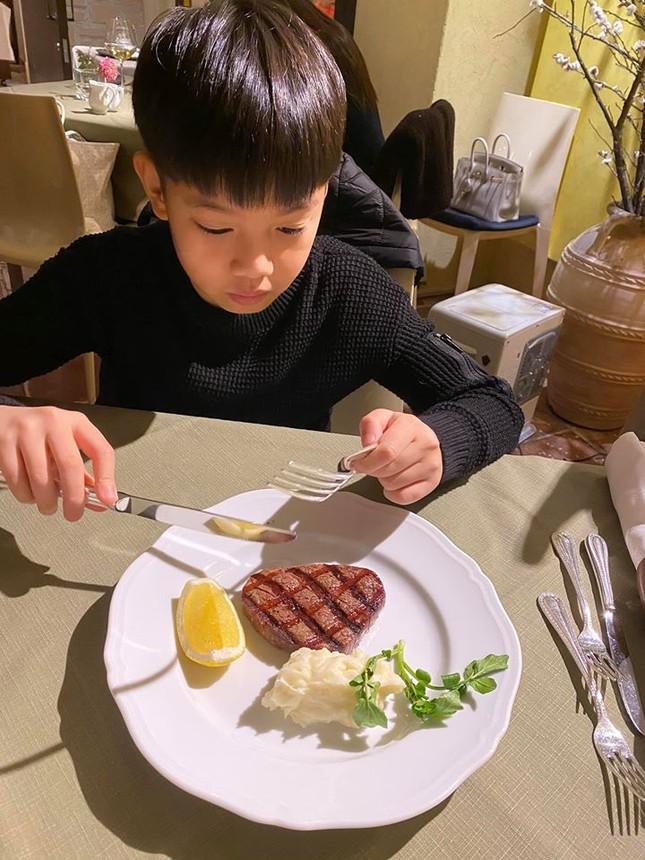 Hồ Ngọc Hà cùng Kim Lý và con trai du xuân Nhật Bản, Subeo gây bất ngờ ảnh 5