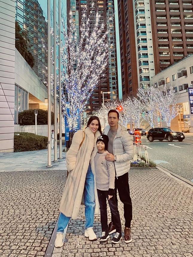 Hồ Ngọc Hà cùng Kim Lý và con trai du xuân Nhật Bản, Subeo gây bất ngờ ảnh 3