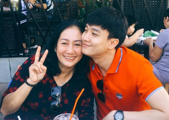 Sao Việt mồng 2 Tết: Khả Ngân tung ảnh bán nude, Quốc Trường 'thả thính' ảnh 14
