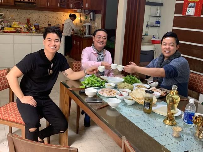 Sao Việt mồng 5 Tết: Hồ Ngọc Hà thèm bánh chưng, Minh Tú khoe body 'hot' ảnh 10