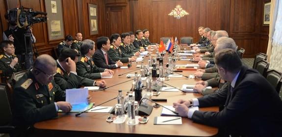 Hợp tác quốc phòng là trụ cột trong quan hệ Việt-Nga ảnh 1